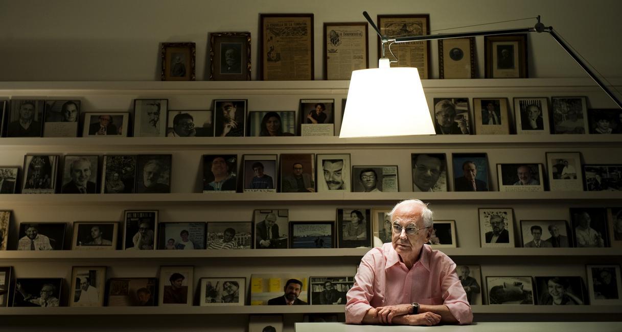 Fotografía de Ferran Forné para Nthephoto. Retrato del escritor Josep Maria Espinàs