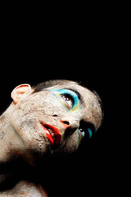 Fotografía de Alfredo Arias para Nthephoto. La Shica portrait para El País/Max Factor