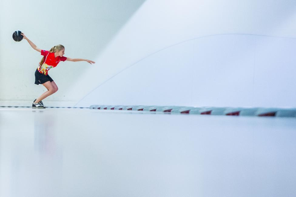 Fotografía de Aitor Alcalde Colomer para Nthephoto. Competición mixta de dobles durante el cuarto día en el Campeonato del Mundo de Bowling  el 11 de Agosto de 2014 en el centro SCAA en Hong Kong, China