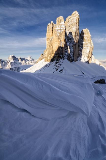 Fotografía de Iñaki Larrea para Nthephoto. Olas de nieve. Dolomitas, Italia.
